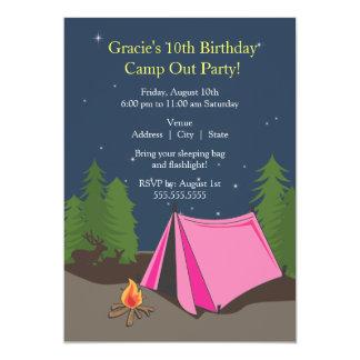 Menina de acampamento da festa de aniversário | convite 12.7 x 17.78cm