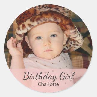 Menina do aniversário com sua foto adesivo