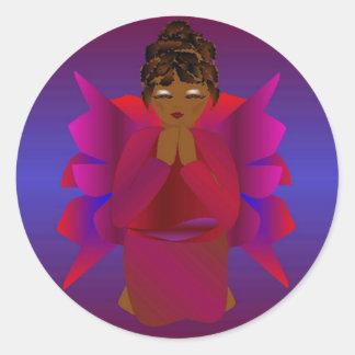Menina do anjo adesivo redondo