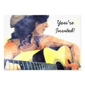 Menina do país com cor de água da guitarra acústic convites