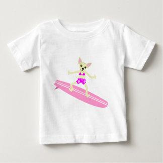 Menina do surfista de Longboard da chihuahua Camiseta Para Bebê