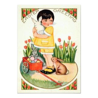 Menina do vintage com coelhinhos da Páscoa & Convite 12.7 X 17.78cm