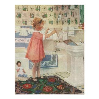 Menina do vintage criança que faz a roupa de susp convite