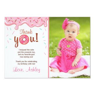 Menina dos cartões de agradecimentos da filhós da