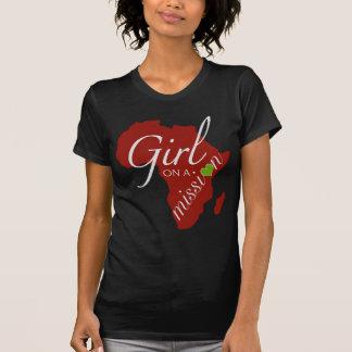 Menina em uma missão - África Camiseta