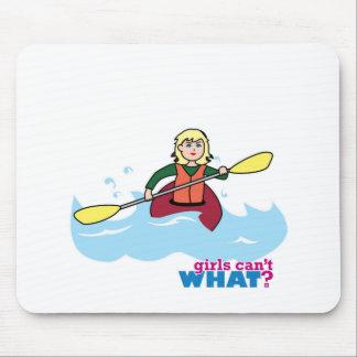 Menina Kayaking - luz/louro Mouse Pad