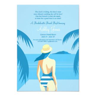 Menina no convite da praia