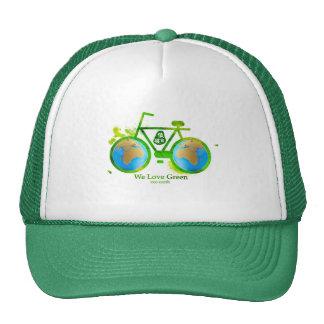 Menina verde eco-amigável ambiental do homem do boné