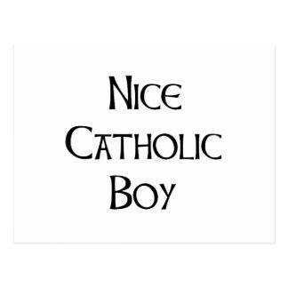 Menino católico agradável cartão postal
