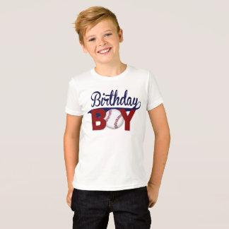 Menino do aniversário, camisa do aniversário,
