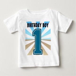 Menino do aniversário, número grande um, primeiro tshirt