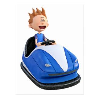 Menino dos desenhos animados em um carro abundante cartão postal