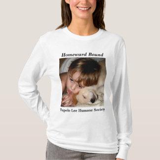 Menino & filhote de cachorro da camisa do