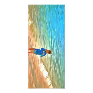 Menino na praia convite 10.16 x 23.49cm