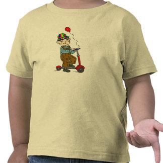 Menino no patinete com balão 2 camiseta