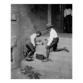 Meninos pretos que disparam nos excrementos 1901 poster