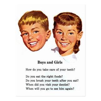 Meninos retros do kitsch do vintage & escova da cartão postal