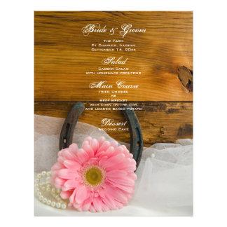 Menu cor-de-rosa da margarida e do casamento do pa modelo de panfleto