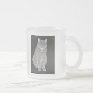 Mercadoria cinzenta do gato canecas