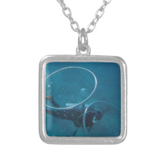 Mergulhador de mergulhador colar banhado a prata