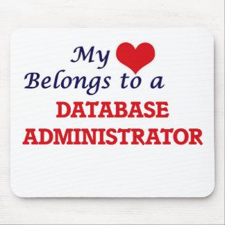 Meu coração pertence a um administrador de base de mousepad