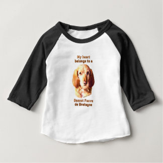 Meu coração pertence a um Basset Fauve de Bretagne Camiseta Para Bebê