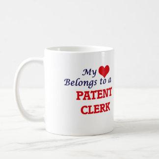 Meu coração pertence a um caixeiro da patente caneca de café