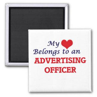 Meu coração pertence a um oficial da propaganda ímã quadrado