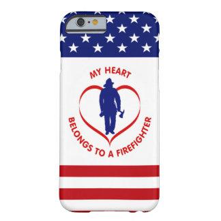 Meu coração pertence a um sapador-bombeiro capa barely there para iPhone 6