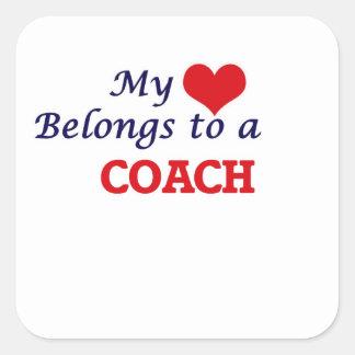 Meu coração pertence a um treinador adesivo quadrado