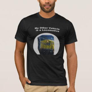 Meu outro veículo é um T locomotivo Camiseta