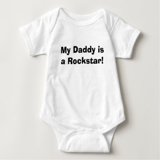 Meu pai é um Rockstar! Tshirts
