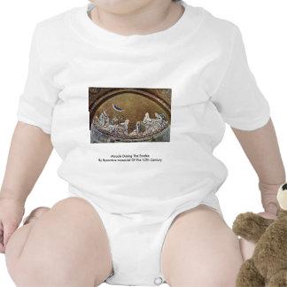 Milagre durante o êxodo pelo Mosaicist bizantino Macacãozinho Para Bebê