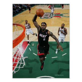 MILWAUKEE, WI - 6 DE DEZEMBRO:  LeBron James #6 de Poster