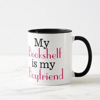 Minha estante é meu namorado caneca
