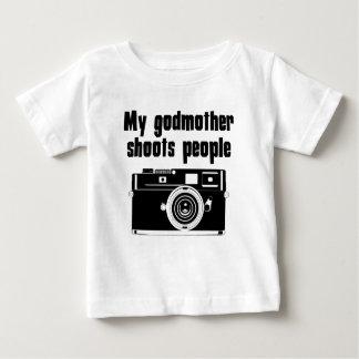 Minha madrinha dispara em pessoas camiseta