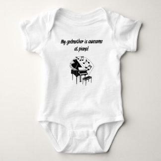 Minha madrinha é impressionante no piano camisetas