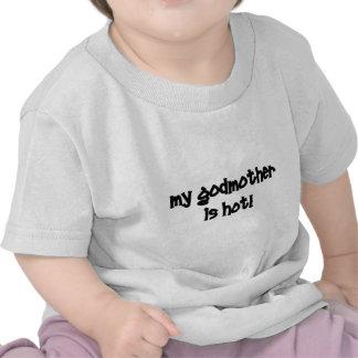 Minha madrinha está quente! t-shirts
