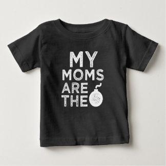 Minhas mães são a camisa do bebê da bomba