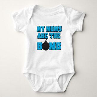 Minhas mães são a camisa do bebé da bomba