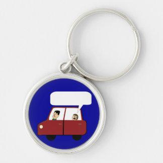 Miúdo em desenhos animados do carro chaveiro redondo na cor prata