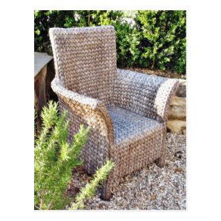 Mobília da cadeira da cesta cartão postal