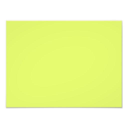 Modelo amarelo do vazio da tendência da cor verde  artes de fotos