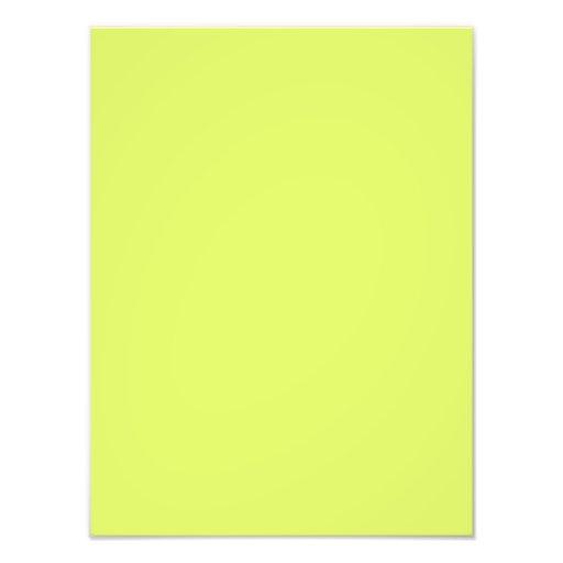 Modelo amarelo do vazio da tendência da cor verde  foto