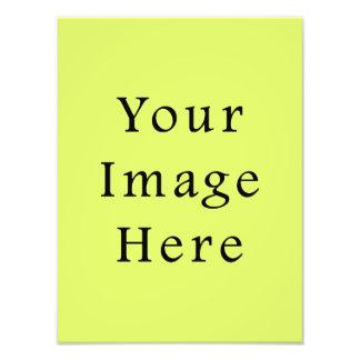 Modelo amarelo do vazio da tendência da cor verde  impressão de foto