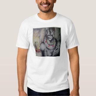 Modelo básico do t-shirt do tribo do Masai do