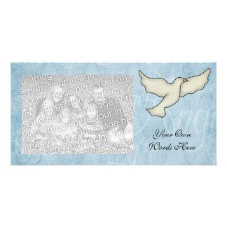 Modelo da pomba do anjo do cartão com fotos