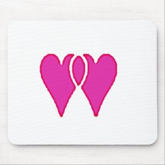 Modelo de 2 corações junto mousepad