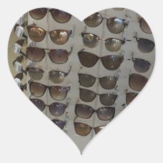 Modelo do acessório de forma dos óculos de adesivo coração