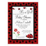 Modelo preto vermelho do convite do chá de fraldas